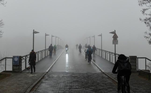 Brücke ins Nichts