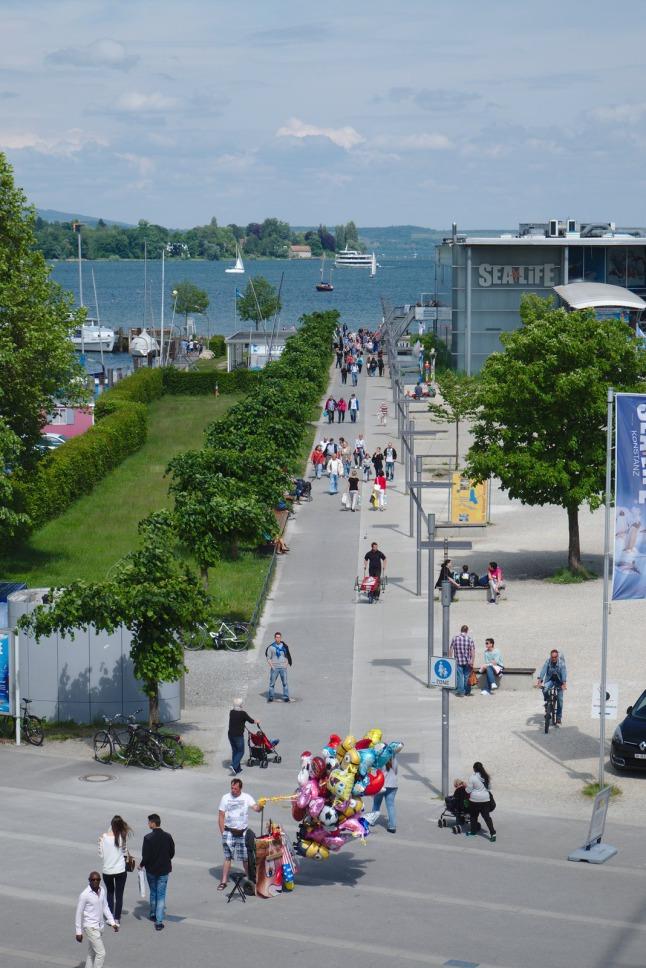 Straße zum See