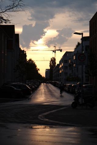 Lonely Baukran im Sonnenuntergang