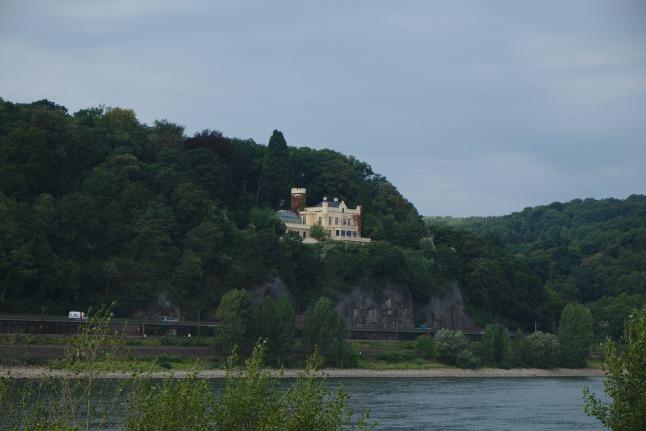 Villen am Rhein