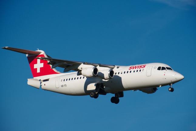 SWISS Avro RJ-100 landend (HB-IYQ)