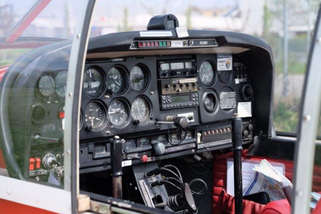 Cockpit des Schleppfliegers